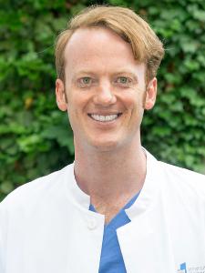 Dr. Till Dresbach